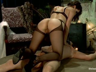 Sanguinary Floozie Tortures A Guy, Convulsion She Becomes Transmitted to Submissive Slut!