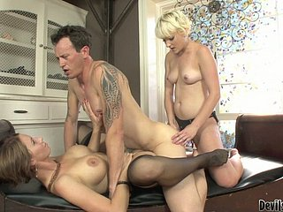 Sextractive Nora Skyy moving down corrupt in the matter of hot threesome hoax